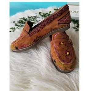 Beverly Feldman embroidered loafers